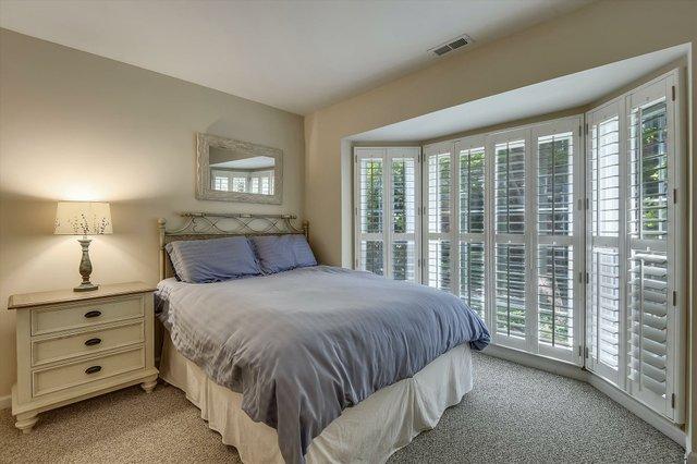 Entry Level-Bedroom-_DSC7596.JPG