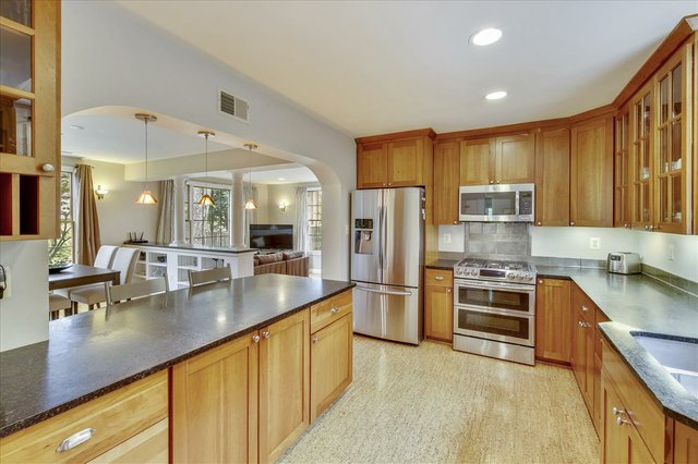 Main Level-Kitchen-_MG_2657.JPG