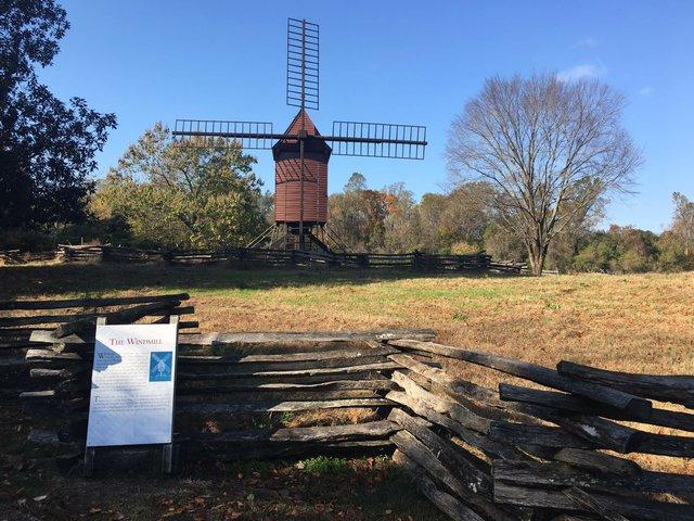 1b-windmill-williamsburg.JPG