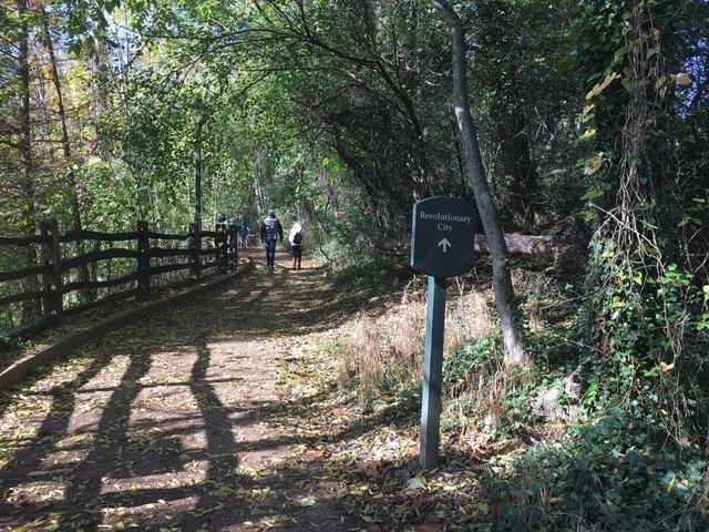 1c-williamsburg-walk.JPG