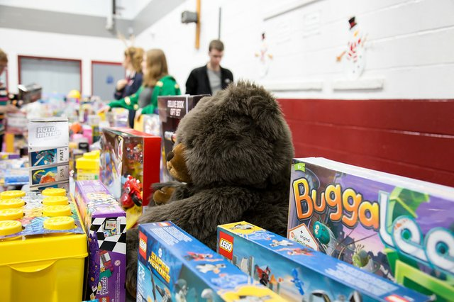 7-volunteer-alexandria-toys-2018.jpg
