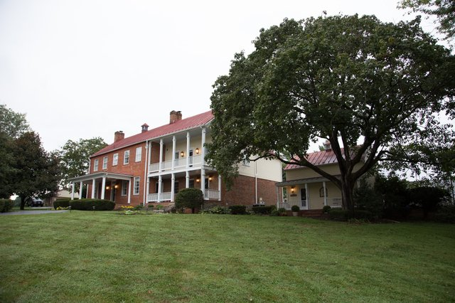 bed-and-breakfast-loudoun.jpg