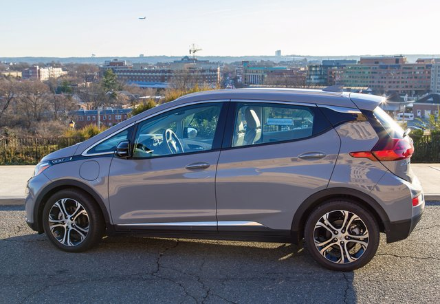 chevy-bolt-ev-review-2019.png