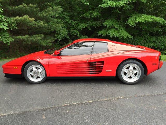 1987 Ferrari Testarosa.jpg