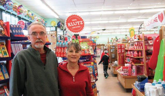 hollin-hall-variety-store-mount-vernon-va.png