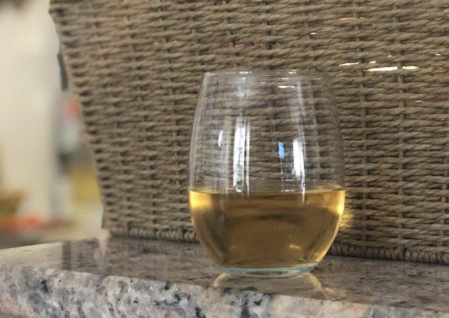 wine-glass-alm.jpg