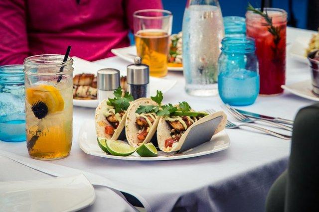 Outdoor_dining_food_tacos_CREDIT_K_Summerer_for_Visit_Alexandria-720x480-e5796e3b-dcd6-4242-a2c7-6b4d3f14f81a.jpg