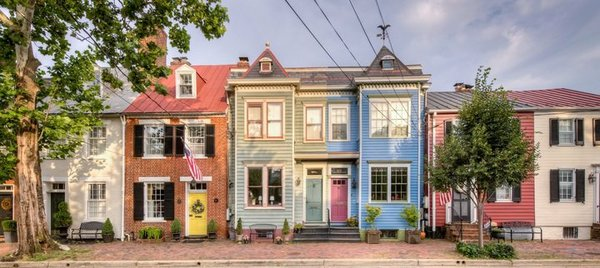 Old_Town_Colorful_Rowhouses_CREDIT_Sam_Kittner_for_Visit_Alexandria-720x322-1ad7c7c2-6a09-49c8-a412-4caf952681a3.jpg