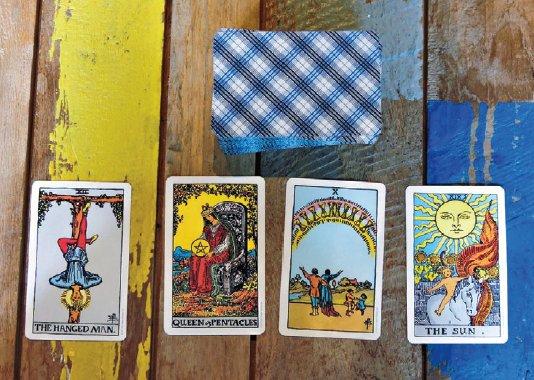 tarot-cards.png