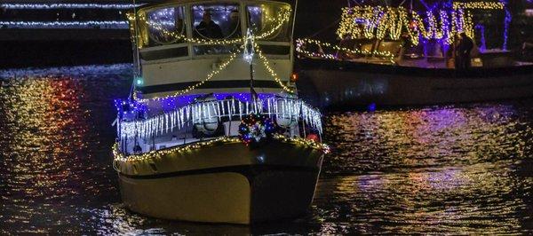 Boat_Parade_698_CREDIT_R_Kennedy_for_ACVA_2100x1458_300_RGB_99b6cae7-df27-4156-ab74-e4208d4b7212.jpg