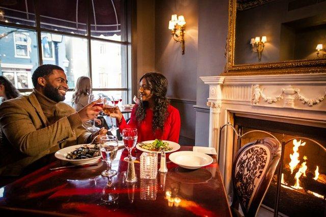 219_Restaurant_Holiday_Dining_CREDIT_K_Summerer_for_Visit_Alexandria_3-720x480-7c86504f-5bb9-4b06-84ee-0ea564b51005.jpg