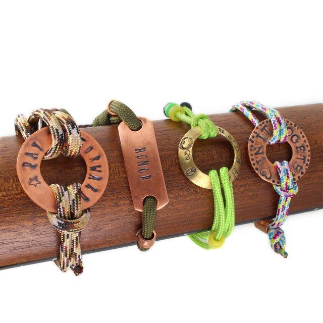 Paracord_bracelets.jpg