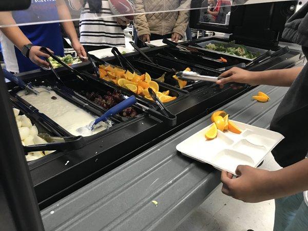 Salad bars come to Fairfax County Public Schools