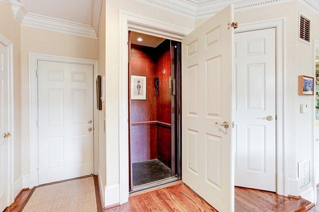 7_11 Wilkes_elevator.jpg