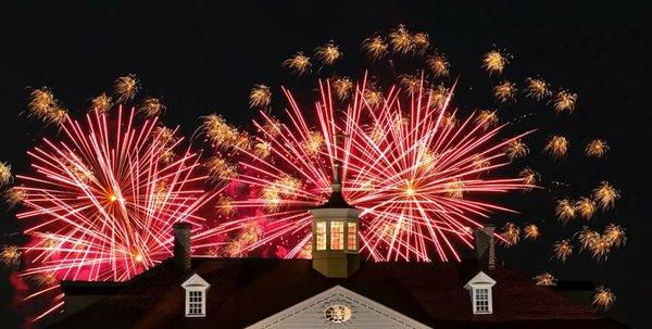 Christmas-Illuminations-at-Mount-Vernon_CREDIT-Buddy-Secor-720x364-cf17a183-d4e6-4436-b157-e4737c4025a6.jpg