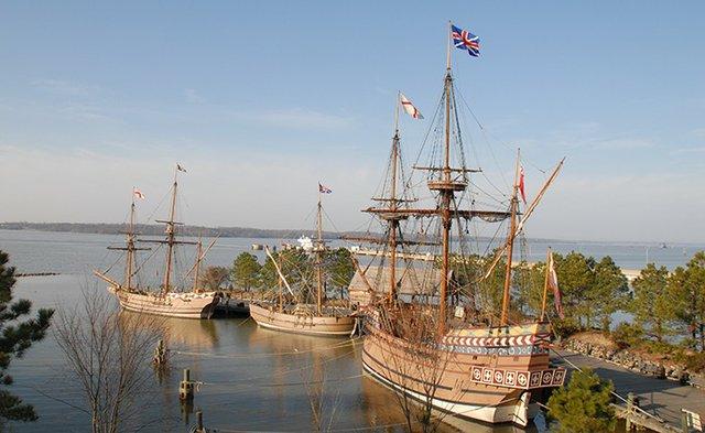 Jamestown-Settlement-1607-ships.jpg