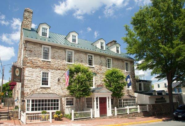Red Fox Inn & Tavern. Credits Visit Loudoun.jpg