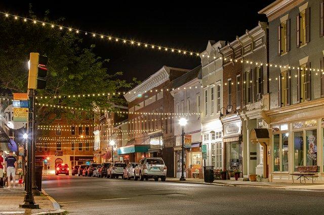 Lights_PoplarStreet_DowntownCambridgeMD_ByJillJasuta-6176-web.jpg