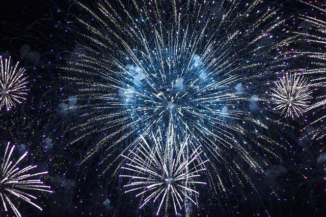 fireworks-5270439_640.jpeg