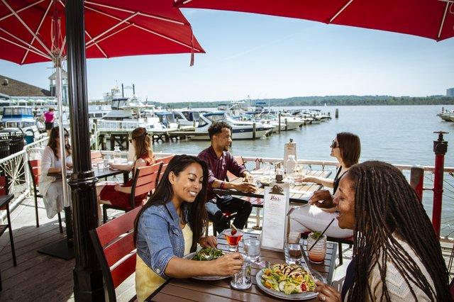 Vola_s_Dockside_patio_1_CREDIT_K_Summerer_for_Visit_Alexandria-2100x1400-7a84289e-0c8c-4c2b-ab2a-b50ba9f5d28a.jpg