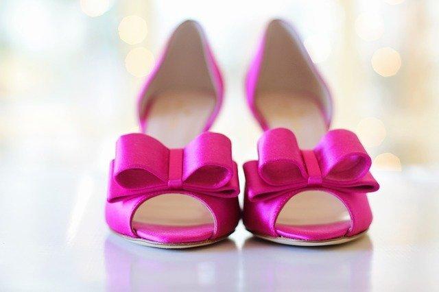 pink-shoes-2107618_640.jpeg