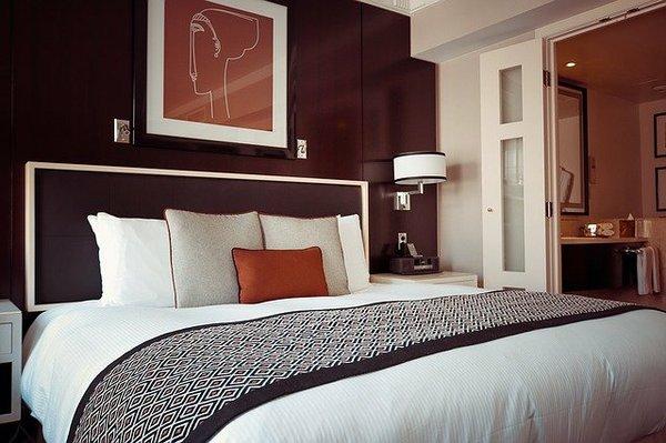 why-hotel-beds-comfortable-pixabay.jpeg